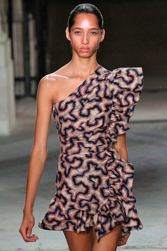 Isabel_Marant_115_ss17_minidress-550x824 35+ Stellar European Fashions for Spring 2020