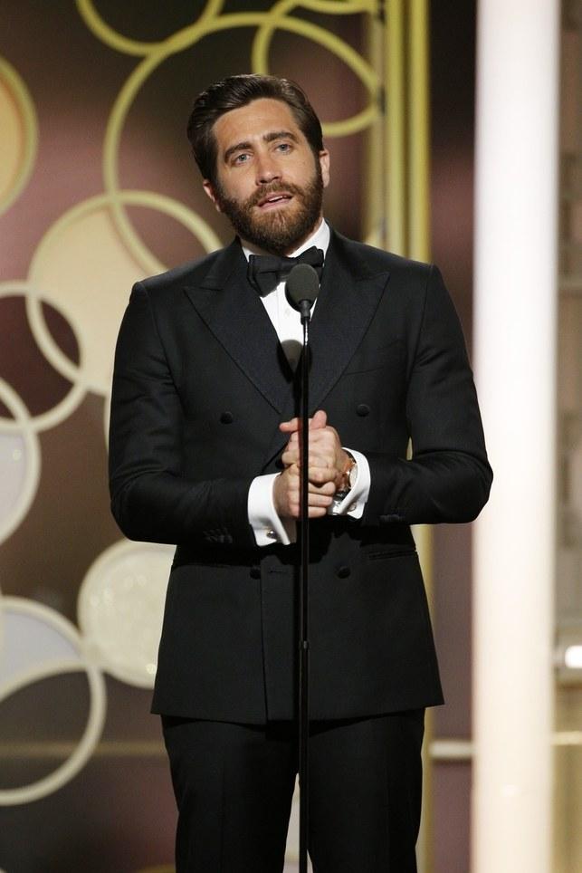 JakeGyllenhaal 15 Male Celebrities Fashion Trends for Summer 2020