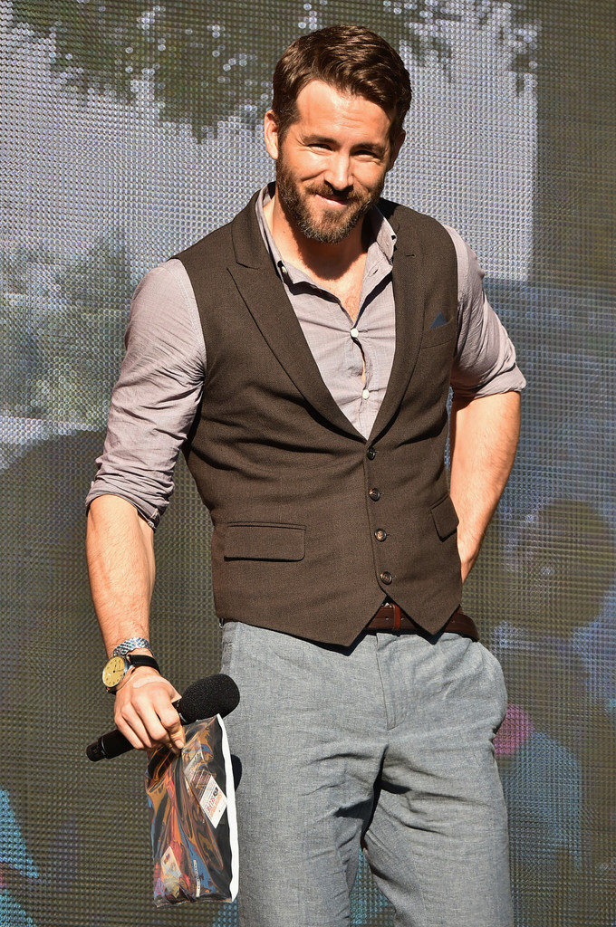 Ryan-Reynolds-001 15 Male Celebrities Fashion Trends for Summer 2018