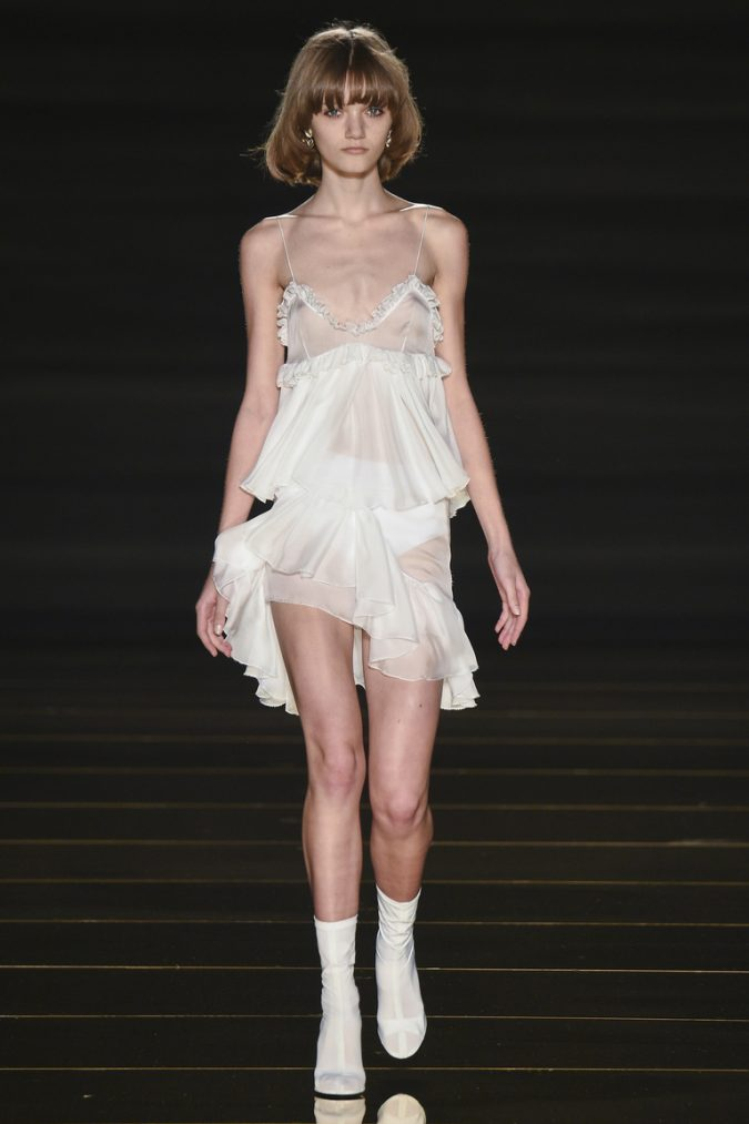a31888baec5c26dc468deee0cbf7d3e3_kim_0005_316f4bc0191fe11ef39b48e674_bbc4130b7d335b379865ce790ee87ab8-675x1013 35+ Stellar European Fashions for Spring 2020