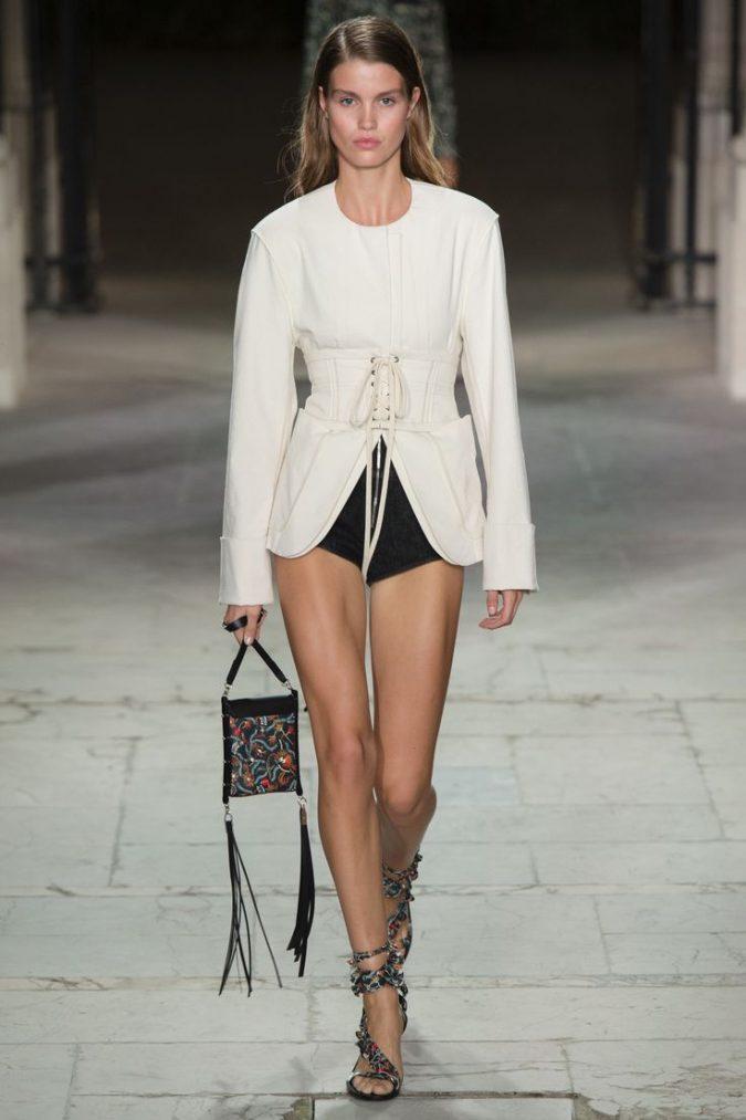 a72e8024dbee89762da520c3079db8e0-675x1013 35+ Stellar European Fashions for Spring 2020