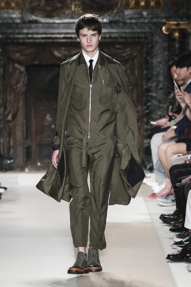 article-urn-publicid-ap.org-3678199d6781481289958c3016f8d991-PbATzVu868f57cb8a8ca2d2550e-845_634x951 35+ Stellar European Fashions for Spring 2020