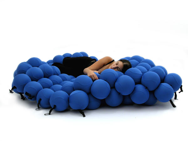 blue-feel-deluxe-2 12 Unusual and Innovative Beds Ever