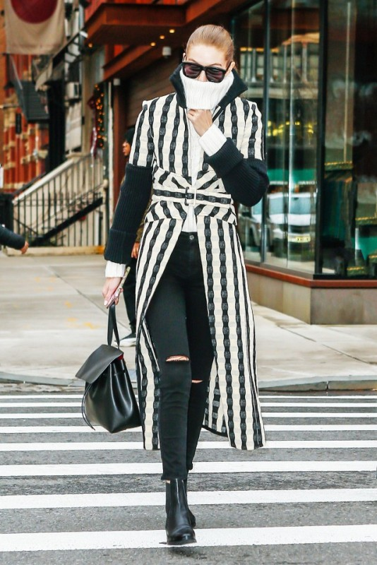 celebrities-in-striped-outfits-10 77+ Elegant Striped Outfit Ideas and Ways to Wear Stripes in 2017