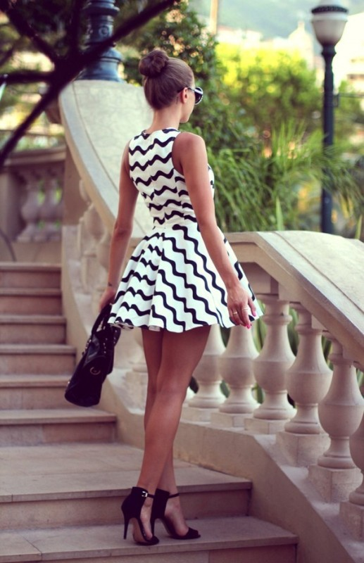chevron-stripes-3 77+ Elegant Striped Outfit Ideas and Ways to Wear Stripes in 2017