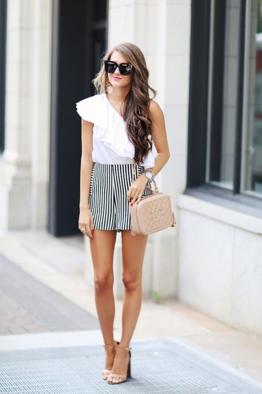 classic-stripes-20 77+ Elegant Striped Outfit Ideas and Ways to Wear Stripes in 2018
