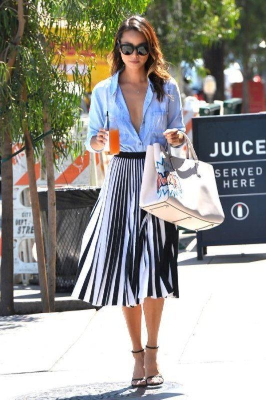 classic-stripes-21 77+ Elegant Striped Outfit Ideas and Ways to Wear Stripes in 2018