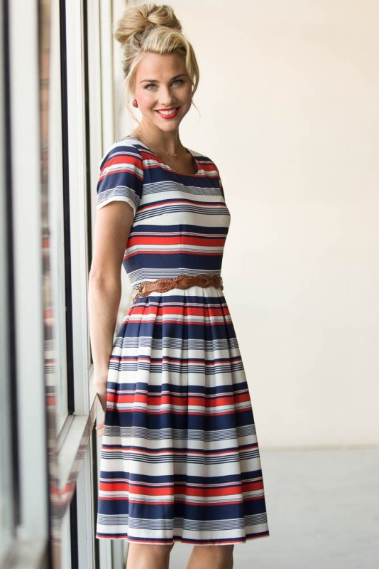 colorful-stripes-19 77+ Elegant Striped Outfit Ideas and Ways to Wear Stripes in 2018