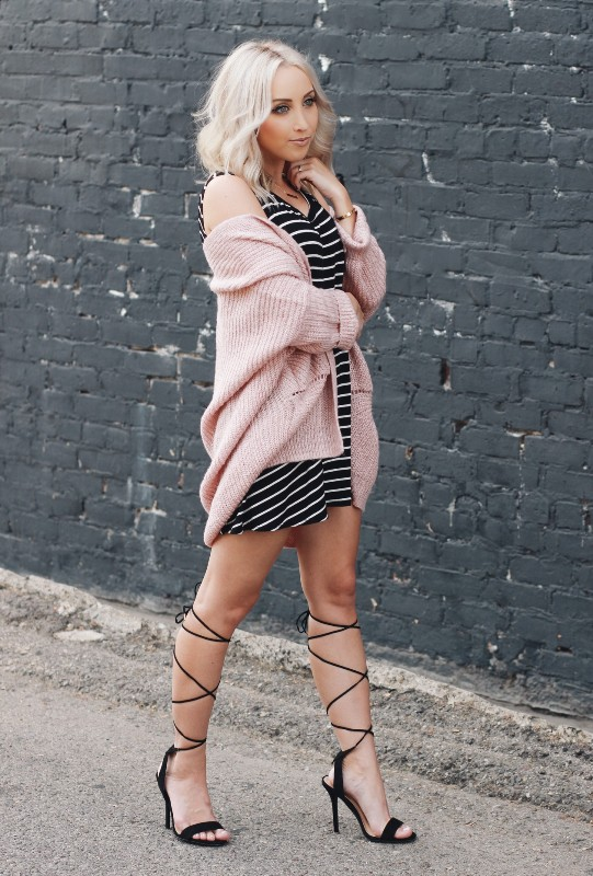 completely-striped-outfits-16 77+ Elegant Striped Outfit Ideas and Ways to Wear Stripes in 2018