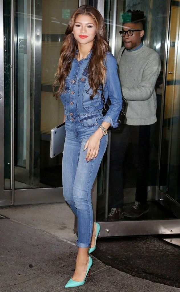 denim-on-denim-with-dungarees 15+ Elegant Working Ladies Spring Outfit Ideas in 2020