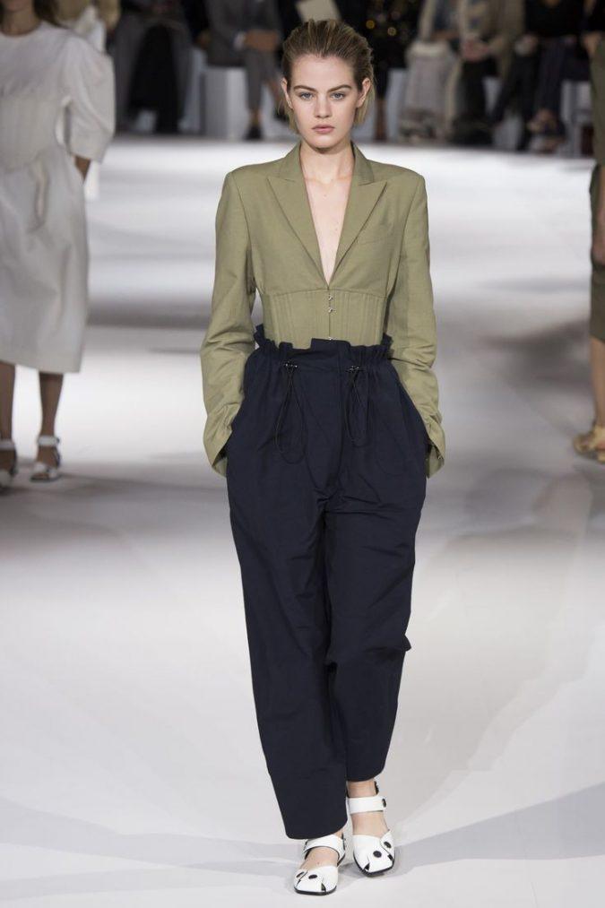 fb933750bb7145a308b2cd068c52c1ac-675x1013 35+ Stellar European Fashions for Spring 2020