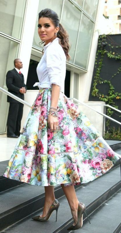 floral-outfits-160 84+ Breathtaking Floral Outfit Ideas for All Seasons