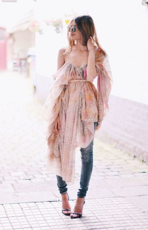 floral-outfits-165 84+ Breathtaking Floral Outfit Ideas for All Seasons