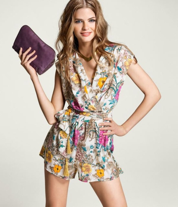 floral-outfits-182 84+ Breathtaking Floral Outfit Ideas for All Seasons