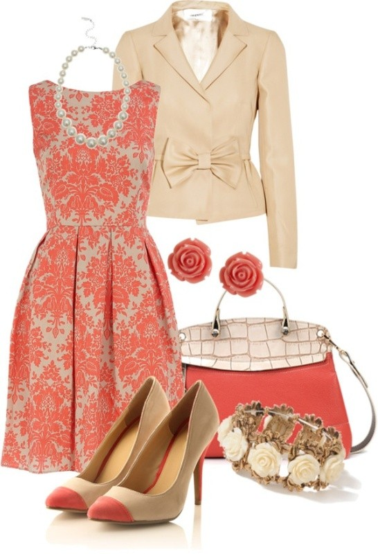 floral-outfits-33 84+ Breathtaking Floral Outfit Ideas for All Seasons