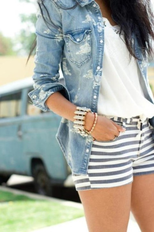 horizontal-stripes-5 77+ Elegant Striped Outfit Ideas and Ways to Wear Stripes in 2018