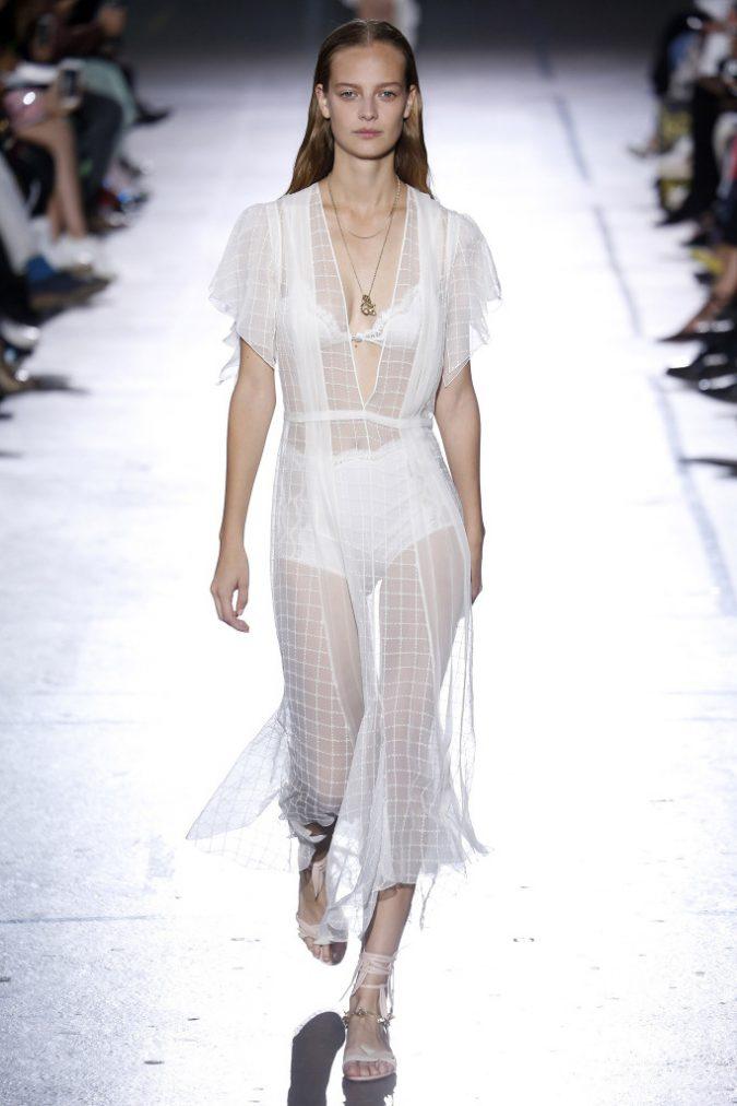 john-galliano-spring-2017-collection-paris-fashion-week-pfw-ss17-004-675x1012 35+ Stellar European Fashions for Spring 2017