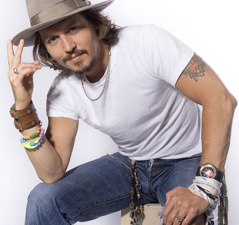 johnny_depp_002 15 Male Celebrities Fashion Trends for Summer 2020