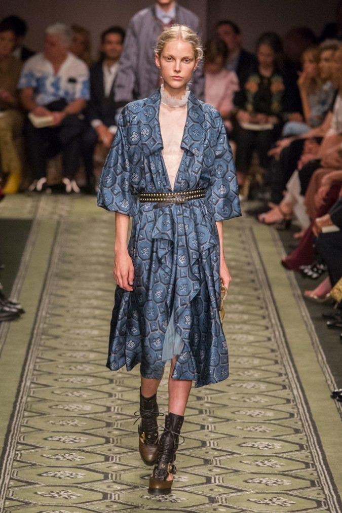 p1at4fkmuv11kfh6ar7g1ndd40b25-675x1013 35+ Stellar European Fashions for Spring 2020