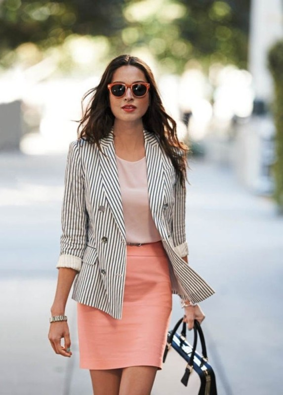 striped-outfits-13 77+ Elegant Striped Outfit Ideas and Ways to Wear Stripes in 2018