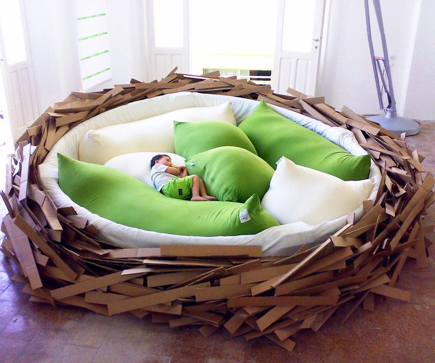 the-birds-nest-bed-2983 12 Unusual and Innovative Beds Ever