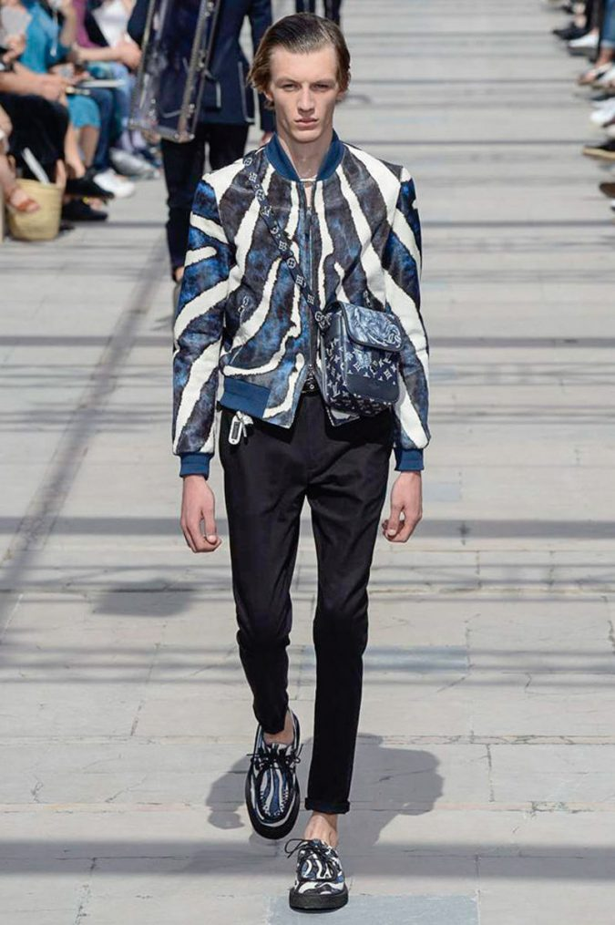 vui0718_generic_large-675x1015 35+ Stellar European Fashions for Spring 2020