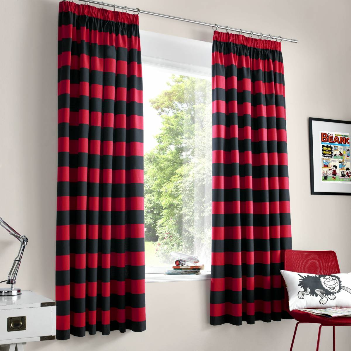 1361300748-45781600 20 Hottest Curtain Designs for 2017