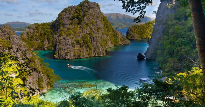 Coron-Island-Palawan-675x354 Top 10 Most Attractive Places you Should Visit in Philippines