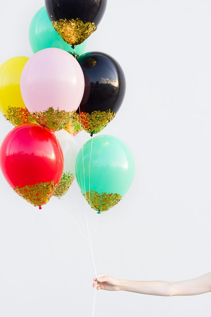 DIY-Confetti-Dipped-Balloons-675x1013 25+ New Year Eve Decoration Ideas for a Blasting Party