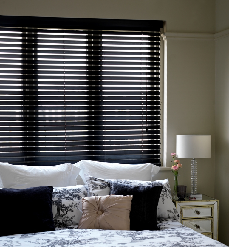 EW06-Painted-Black-Wooden-Venetian-Blinds 20+ Hottest Curtain Designs for 2019