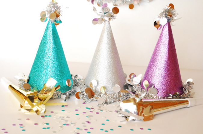 Hats-for-the-New-Year-675x446 25+ New Year Eve Decoration Ideas for a Blasting Party