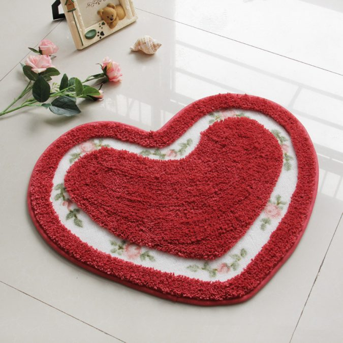 Heart-Mats-for-Living-Room-Floor-Carpets-675x675 6 Hottest Decor Ideas for a Romantic Home in 2018