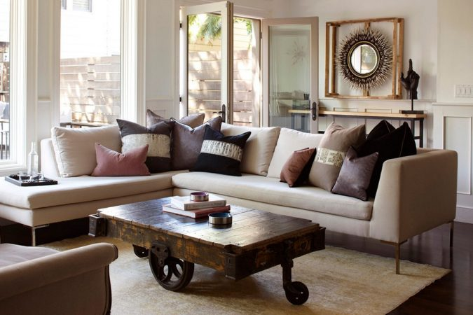 Rustic-Farmhouse-Coffee-Table-Ideas-675x450 11 Charming Rustic Home Decors & Living Sets Trends in 2018