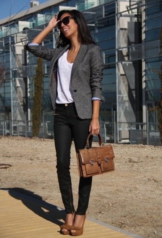T-shirts-for-work-9-1 87+ Spring & Summer Office Outfit Ideas for Business Ladies 2018