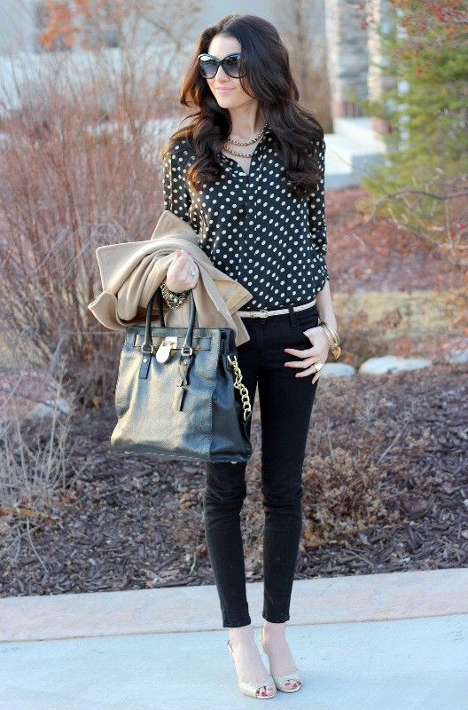 black-and-white-color-combination-10-1 87+ Elegant Office Outfit Ideas for Business Ladies in 2020