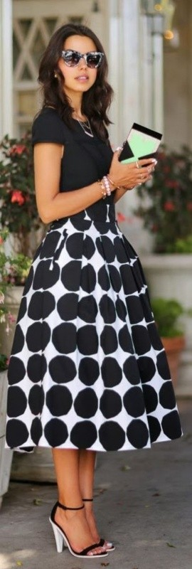 black-and-white-color-combination-2-1 87+ Spring & Summer Office Outfit Ideas for Business Ladies 2017