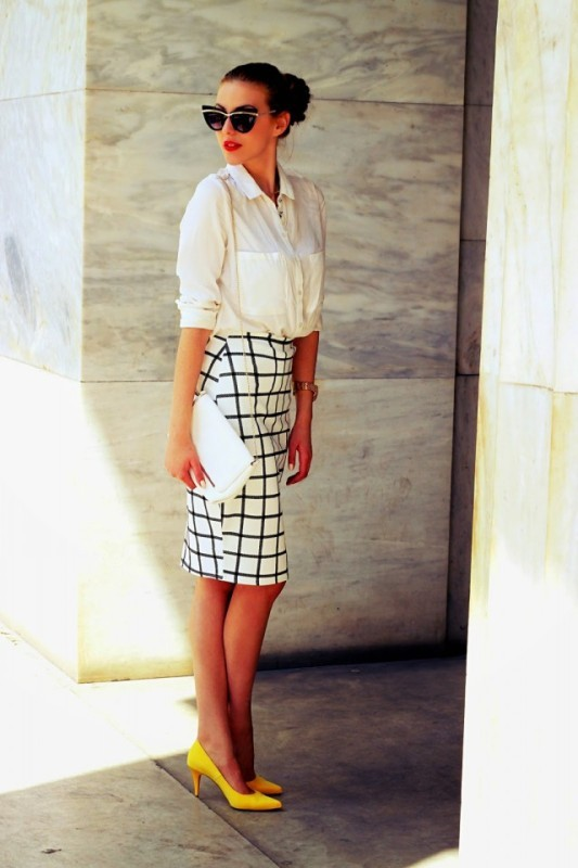 black-and-white-color-combination-21-1 87+ Spring and Summer Office Outfit Ideas for Business Ladies 2019