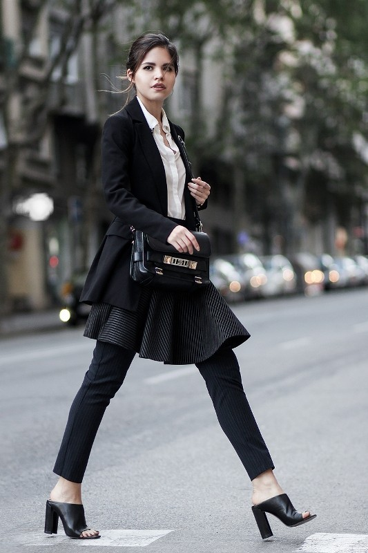 blazers-4-2 83+ Fall & Winter Office Outfit Ideas for Business Ladies 2020