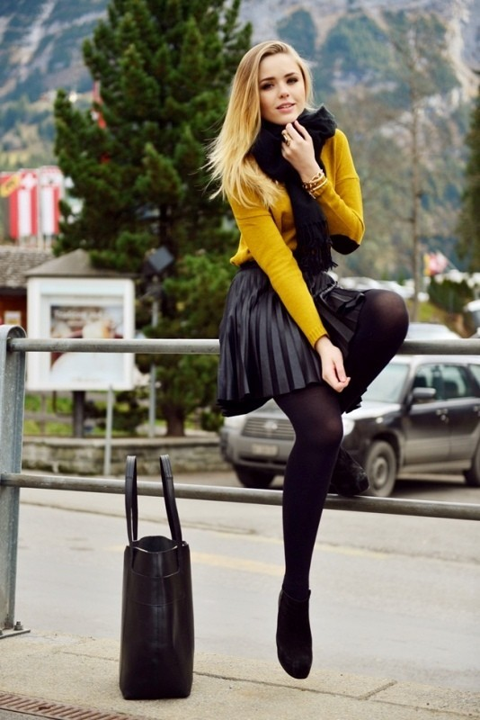boots-and-tights-2-2 83+ Fall & Winter Office Outfit Ideas for Business Ladies 2020