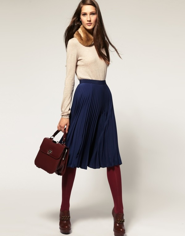boots-and-tights-9-2 83+ Fall & Winter Office Outfit Ideas for Business Ladies 2020