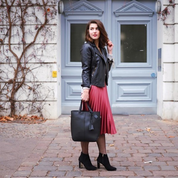 coats-and-jackets-9-2 83+ Fall & Winter Office Outfit Ideas for Business Ladies 2018
