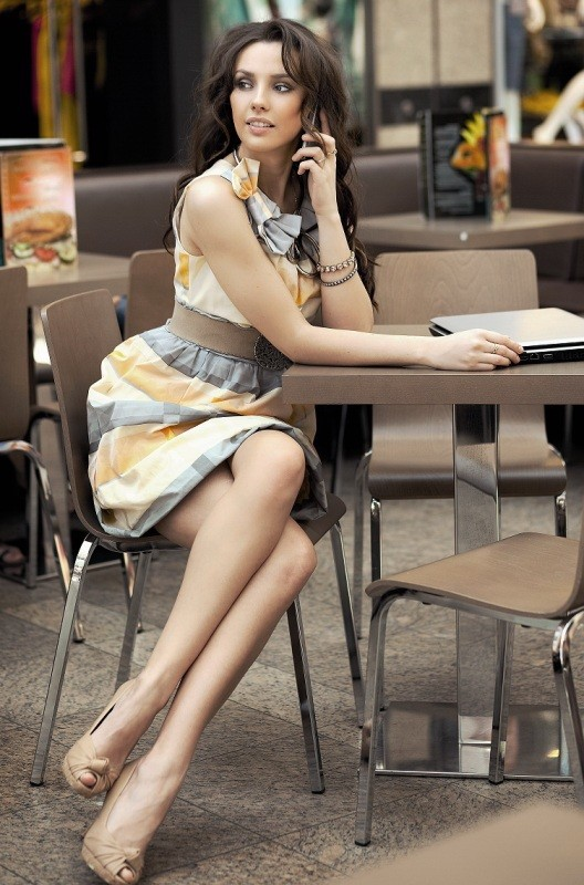 dresses-for-work-11-1 87+ Elegant Office Outfit Ideas for Business Ladies in 2020