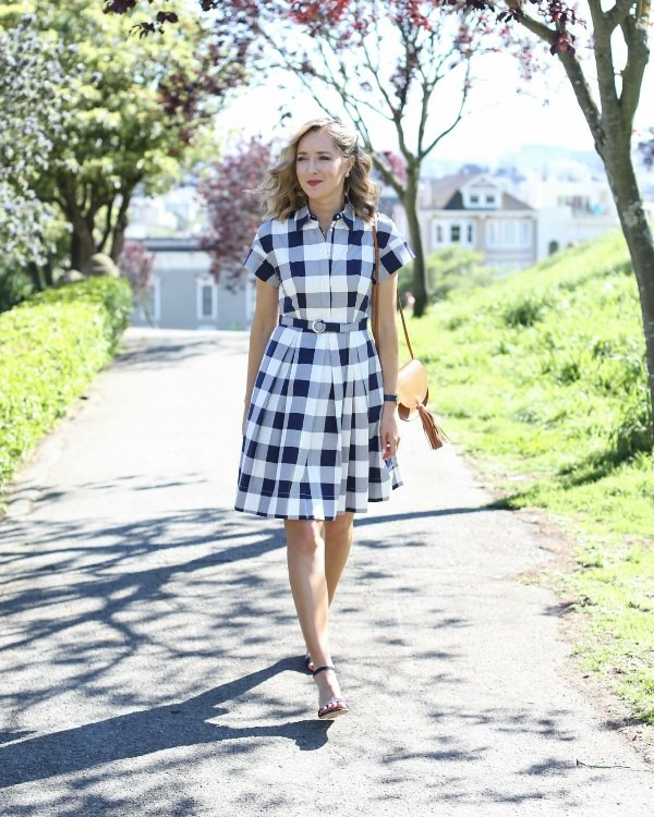 dresses-for-work-21-1 87+ Elegant Office Outfit Ideas for Business Ladies in 2021