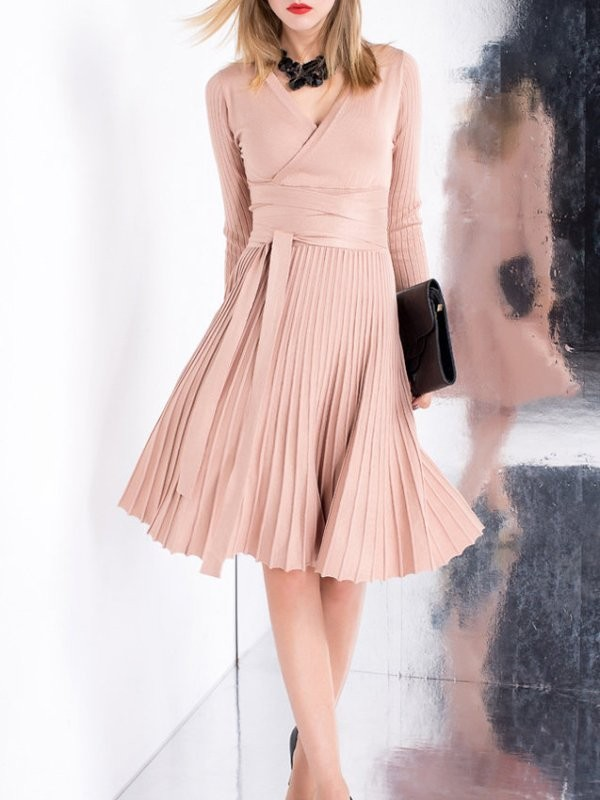 dresses-for-work-23-1 87+ Elegant Office Outfit Ideas for Business Ladies in 2021