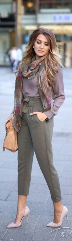 fall-and-winter-office-outfits-1-2 83+ Fall & Winter Office Outfit Ideas for Business Ladies 2020