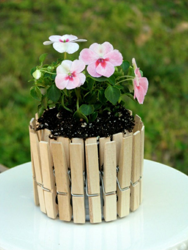 flower-pots-out-laundry-brace-wood 8 Creative DIY Decor Ideas for a Fancy-looking home in 2017