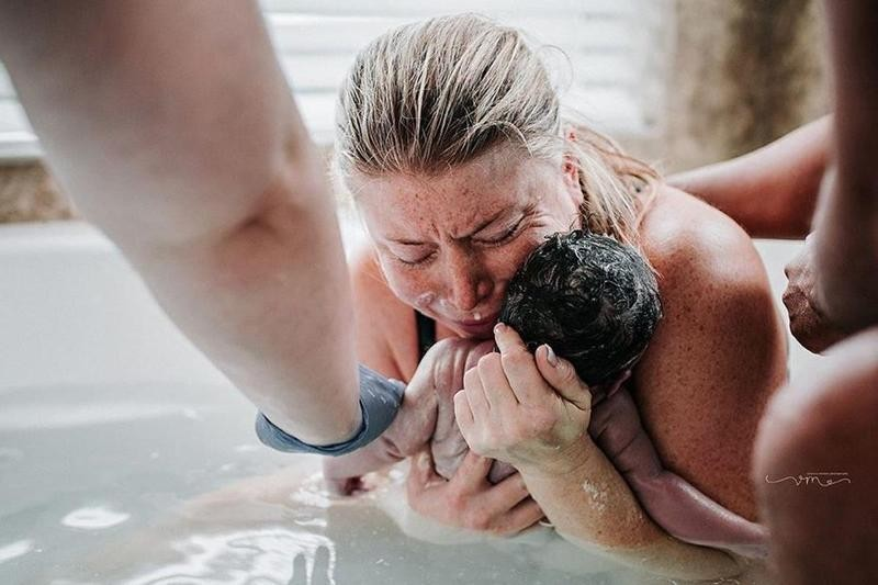 motherhood-12 78+ Heart-touching Photos of Mothers and Their Babies
