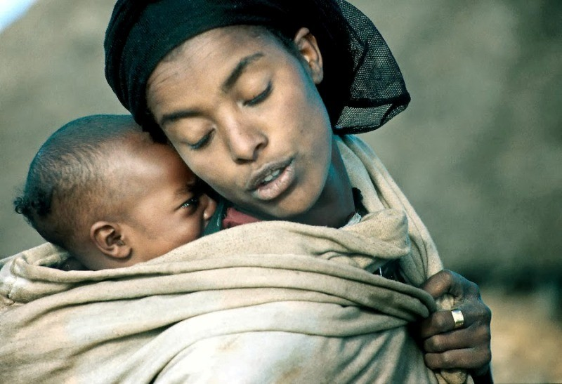 motherhood-16 78+ Heart-touching Photos of Mothers and Their Babies