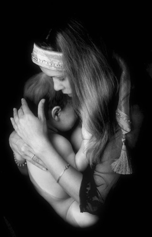 motherhood 78+ Heart-touching Photos of Mothers and Their Babies