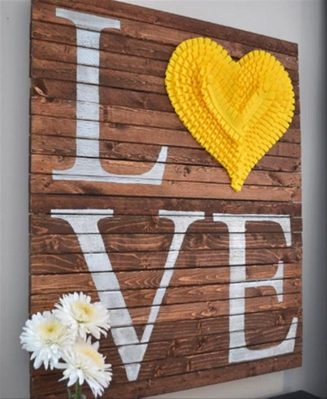 pallet-valentines-day-decorating-ideas-2-675x823 6 Hottest Decor Ideas for a Romantic Home in 2021